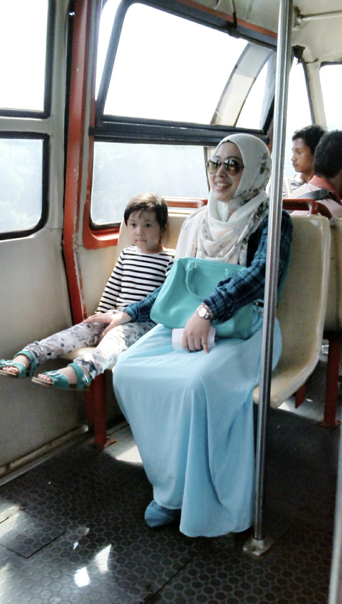 Jalan Jalan Seru Ke Taman Mini Indonesia Indah Bersama Keluarga